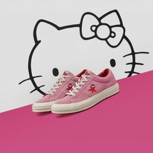 NWT Converse Hello Kitty Pink Suede Low Top Shoes